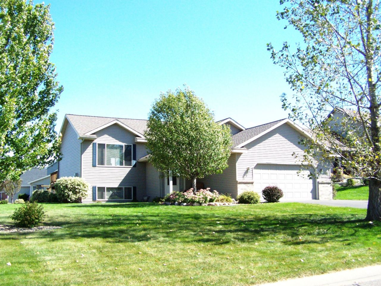 Hudson Home, WI Real Estate Listing